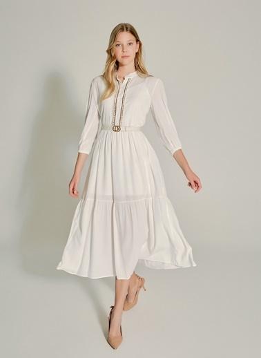 NGSTYLE Yaka Detaylı Maxi Elbise Beyaz